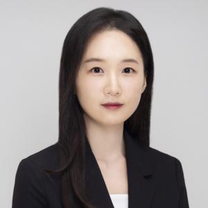 Headshot of Youmi Suk